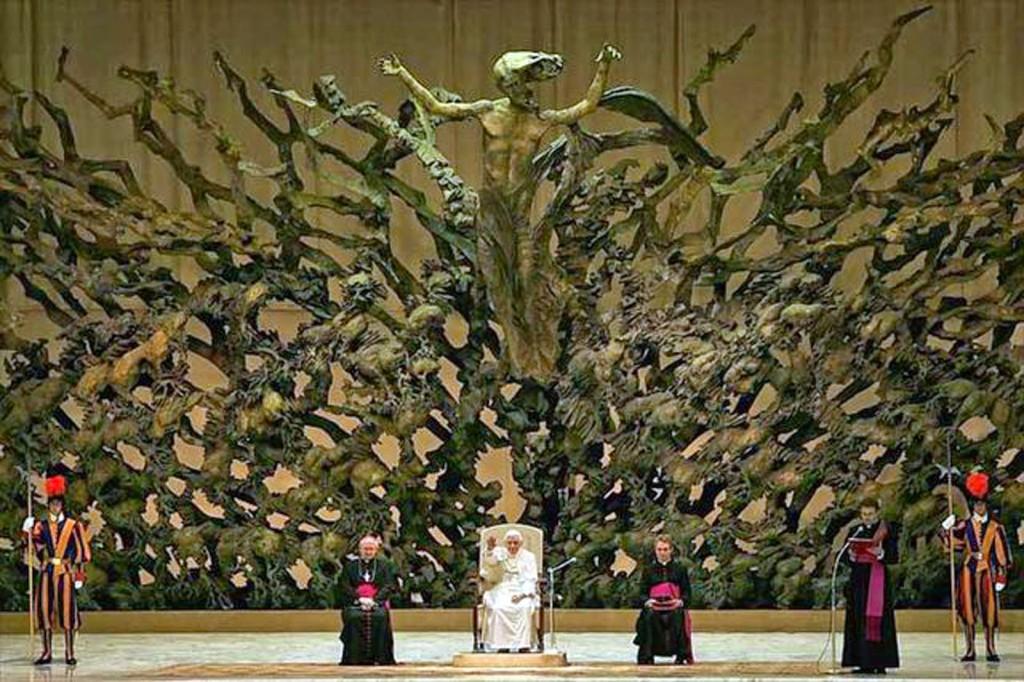 Pape sous le signe de Satan